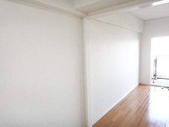 リビングは洋間2室を一つにしました。