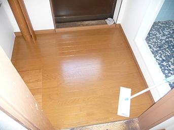 施工後の浴室前床の様子です。