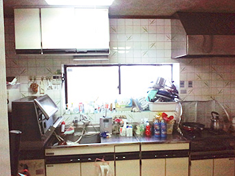 工事前のセパレートキッチンの様子です。